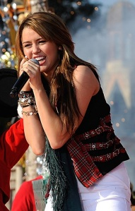 miley-cyrus-magic-1268-2